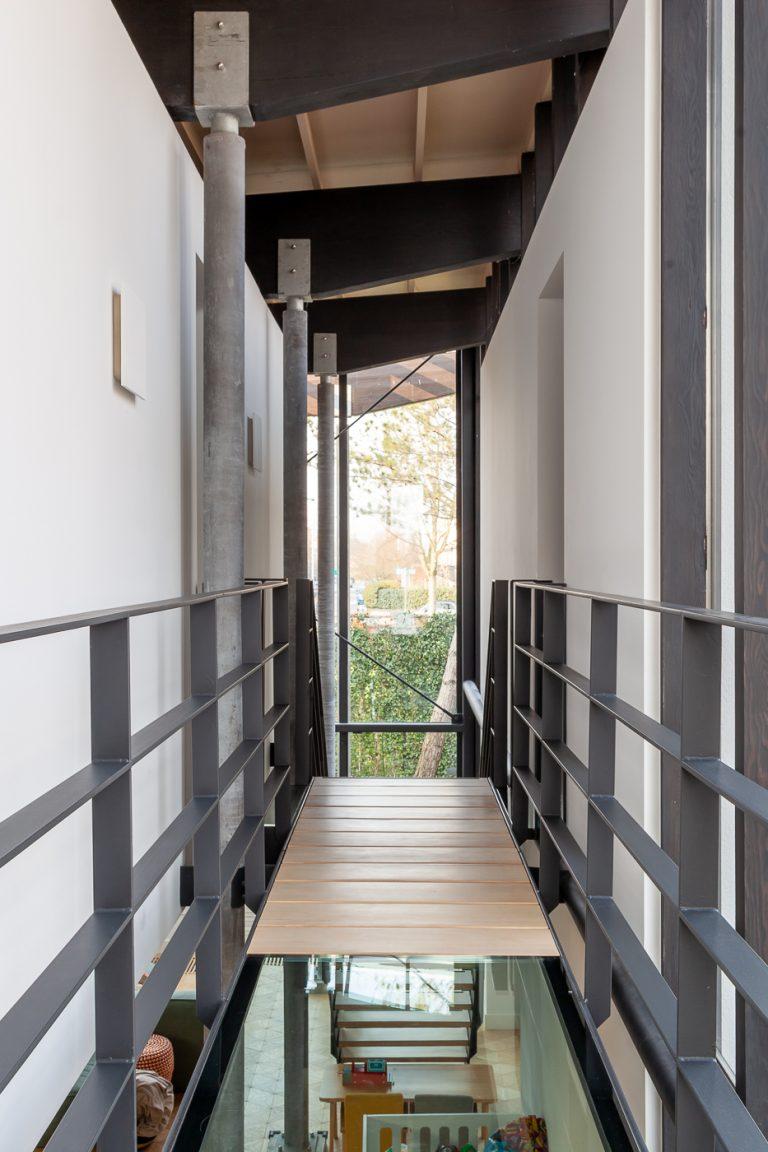 Woonhuis HA uitbreiding makeover interieur 8 loopbrug
